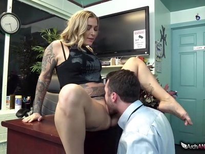 Kleio Valentien Seduces And Fucks A Dude