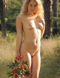 Enchanting naked fairy