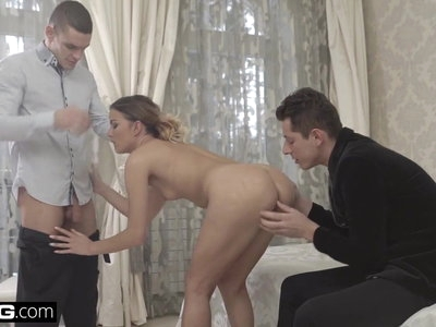 Euro Socialite Samantha Johnson gets a DP & cum facial