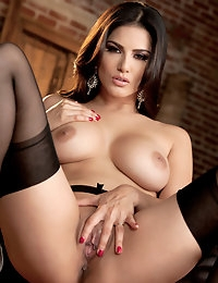 Nude Pics Of Sunny Leone In Ecstatic Orgasm - Babes.com