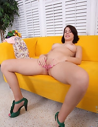 Nubiles.net - featuring Nubiles Courtney Casey in seduces-babe photo #14
