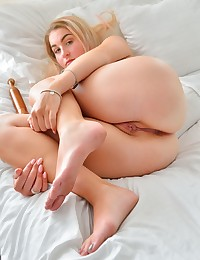 Dildos And Spreads photo #9