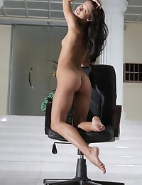 Fedorov-hd-Maria-chair-fabulous-hot-girl-long-dark-hair-russian-girl  photo #9