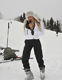 Eroberlin Anna Safina Apres Ski Austria russian blonde photo #2
