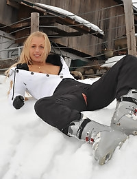Eroberlin Anna Safina Apres Ski Austria russian blonde photo #9