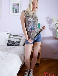 Russian Teenandapos;s Ass Gets Gaped photo #1