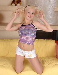 teenstryblacks.com - Barbie photo #1