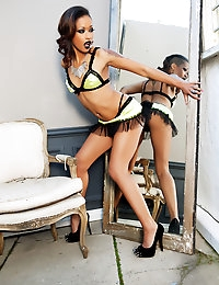 "Penthouse.com Photo Gallery - Skin Diamond - Penthouse Petsâ""¢ and the World's Sexist Women Since 1973  photo #7"